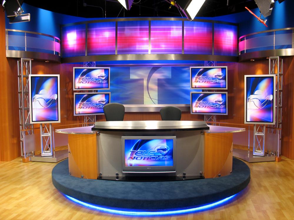WKAQ – TV, Telenoticias, Puerto Rico